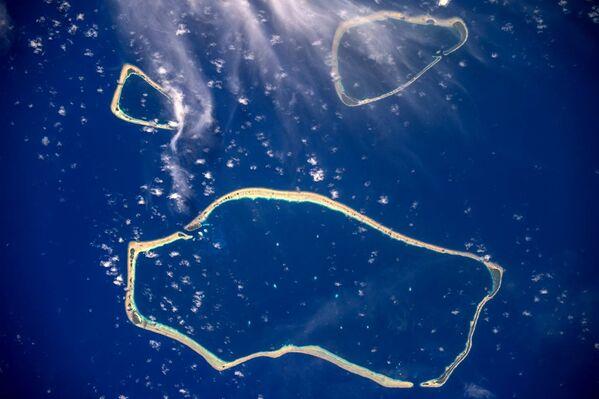 Каролинские острова, снятые с борта МКС космонавтом Роскосмоса Сергеем Рязанским - Sputnik Азербайджан