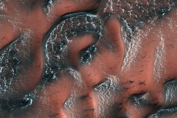 Снежные дюны на Марсе - Sputnik Азербайджан