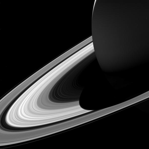 Кольца Сатурна, покрытые его тенью - Sputnik Азербайджан