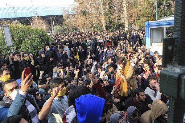 İranda etirazlar, 30 dekabr 2017-ci il - Sputnik Азербайджан