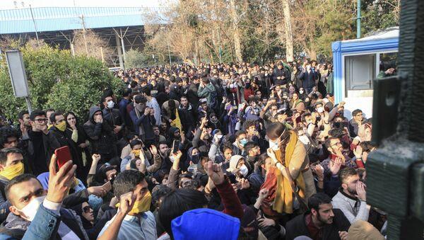 İranda etirazlar, 30 dekabr 2017-ci il - Sputnik Azərbaycan