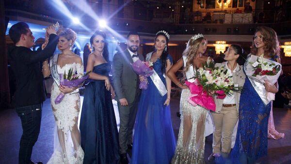 Азербайджанская модель Кристина Замир на международном конкурсе красоты Miss Humanity Universe 2017 - Sputnik Азербайджан