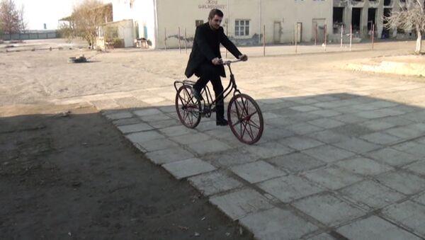 Уроженец Кельбаджара создал уникальный велосипед - Sputnik Азербайджан