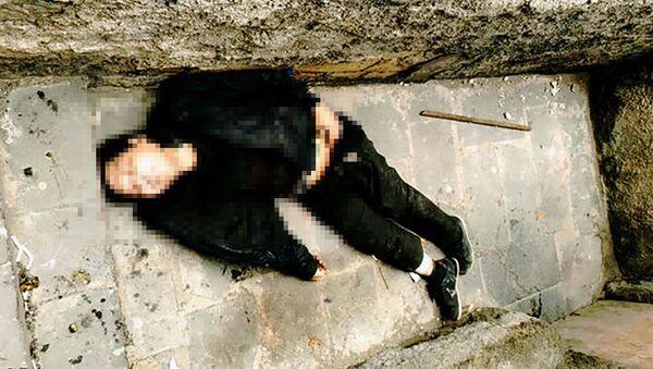 Труп мужчины, фото из архива - Sputnik Азербайджан