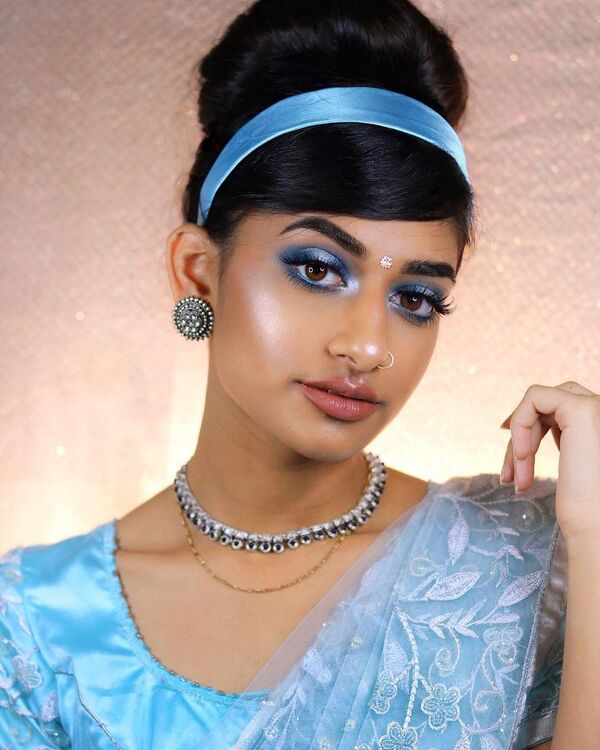Модель Хамель Патель создала образ принцесс Диснея в стиле индианок - Sputnik Азербайджан