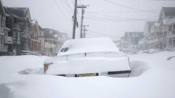 Зимний шторм на восточном побережье США - Sputnik Азербайджан