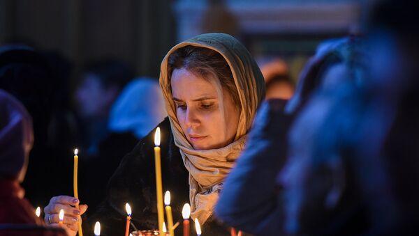Рождественское богослужение в Кафедральном соборе Жен Мироносиц в Баку - Sputnik Азербайджан