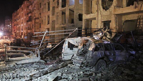 Последствия взрыва в сирийском городе Идлиб, 7 января 2018 года - Sputnik Азербайджан