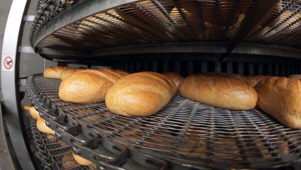 Хлеб, архивное фото - Sputnik Азербайджан