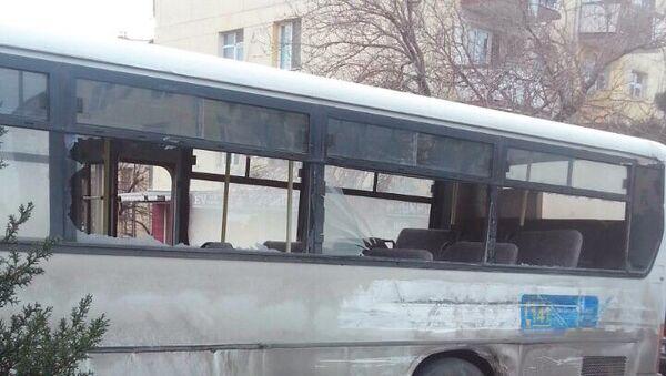 Qəza nəticəsində avtobus ciddi zədələnib - Sputnik Azərbaycan