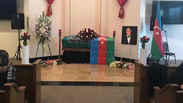Церемония прощания с известным азербайджанским пианистом, народным артистом Азербайджана Чингизом Садыховым - Sputnik Азербайджан
