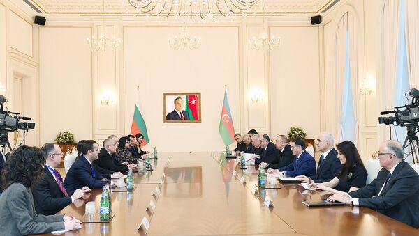 Встреча в расширенном составе премьер-министра Болгарии Бойко Борисова и президента Азербайджана Ильхама Алиева, Баку, 15 января 2018 года - Sputnik Азербайджан