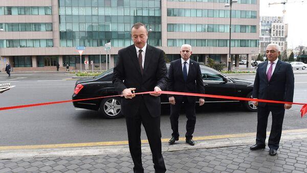 İlham Əliyev Bakı Paylayıcı Şəbəkəsinin inzibati binasının və yarımstansiyalarının açılışında iştirak edib - Sputnik Azərbaycan