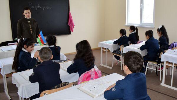 Quba rayonunun Cağacıq kəndində yeni istifadəyə verilmiş modul tipli məktəb - Sputnik Azərbaycan