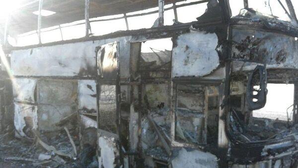 Сгоревший в Иргизском районе автобус, архивное фото - Sputnik Азербайджан