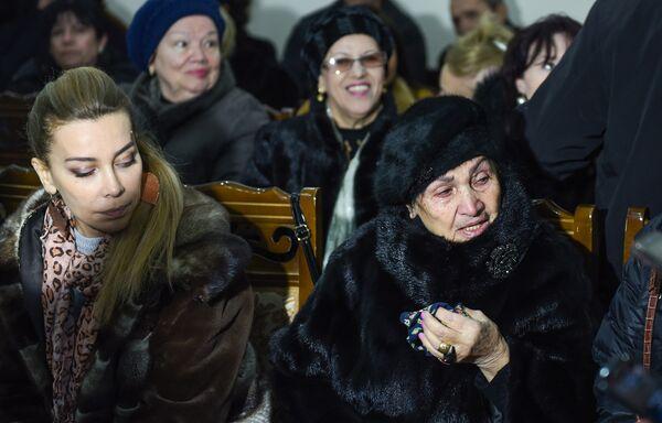 Церемония прощания с народным артистом Азербайджана Беюкагой Мамедовым - Sputnik Азербайджан