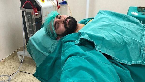 Хирург Мубариз Мамедли после операции - Sputnik Азербайджан