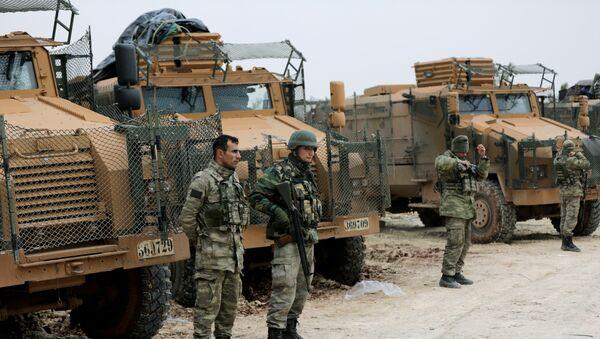 Военнослужащие Турции на горе Барсая, к северо-востоку от Африна, Сирия, 22 января 2018 года - Sputnik Азербайджан