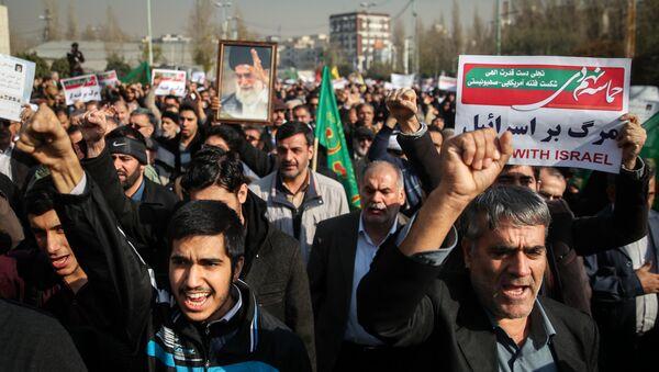 Антиправительственные митинги в Иране, 30 декабря 2017 года - Sputnik Азербайджан
