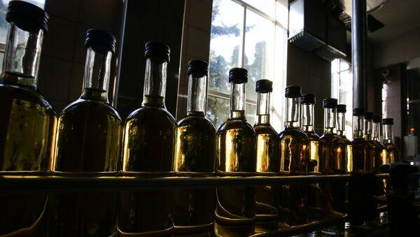 Цех розлива вина, фото из архива - Sputnik Азербайджан