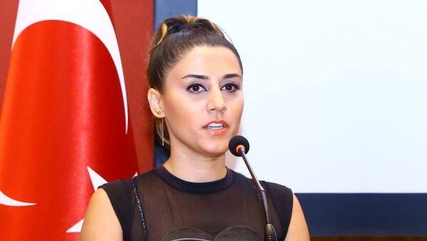 Jurnalist Ülviyyə Şamilqızı - Sputnik Azərbaycan