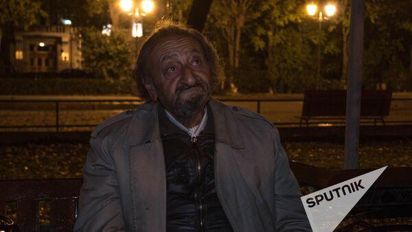 Бездомные люди. Ереван - Sputnik Азербайджан