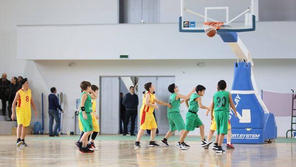 Занятия по баскетболу, фото из архива - Sputnik Азербайджан