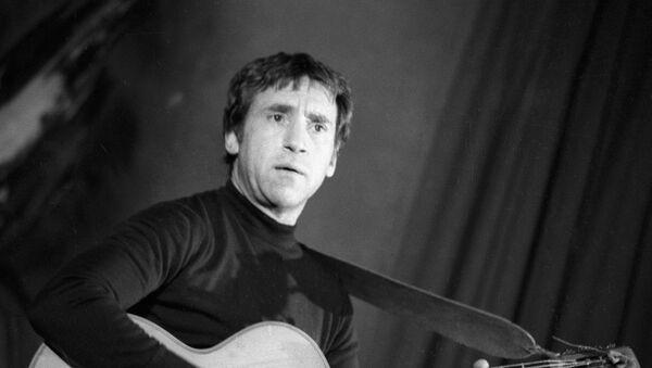 Лауреат Государственной премии, актер театра и кино Владимир Высоцкий - Sputnik Азербайджан
