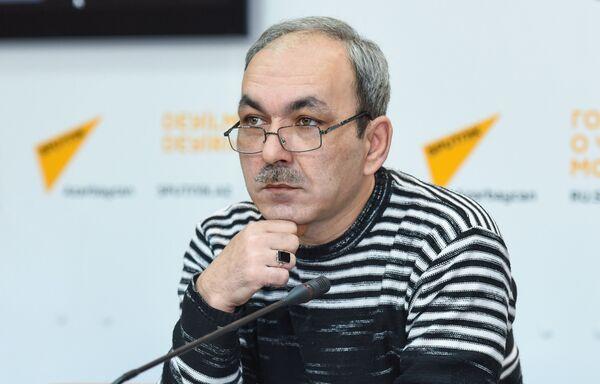 Преподаватель Гимназии искусств при Азербайджанской национальной консерватории Эльгюн Сейидзаде - Sputnik Азербайджан