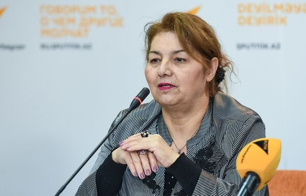 Руководитель театрального отделения Гимназии искусств при Азербайджанской национальной консерватории Хиджран Садыгова - Sputnik Азербайджан