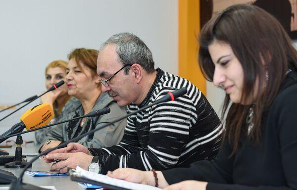 Пресс-конференция, приуроченная к десятилетию театрального отделения Гимназии искусств при Азербайджанской национальной консерватории - Sputnik Азербайджан