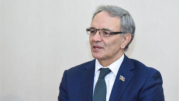 Депутат Афлатун Амашов - Sputnik Азербайджан
