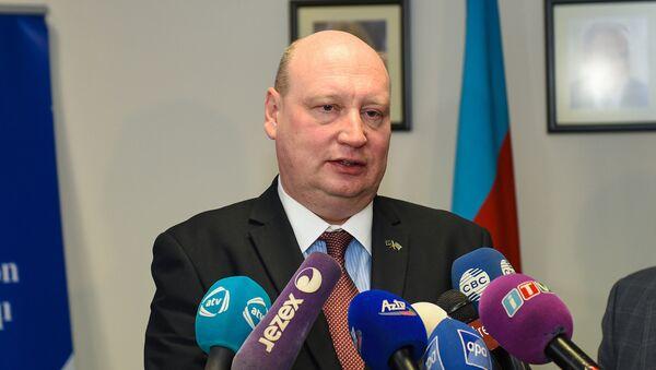 Генеральный директор по транспорту и мобильности Европейской комиссии Хенрик Хололей - Sputnik Азербайджан
