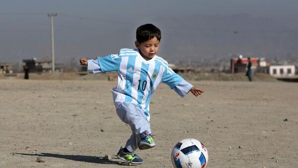 Афганский мальчик Муртаза Ахмади - Sputnik Азербайджан