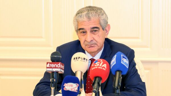 Вице-премьер, председатель Национального координационного совета по устойчивому развитию Али Ахмедов - Sputnik Азербайджан