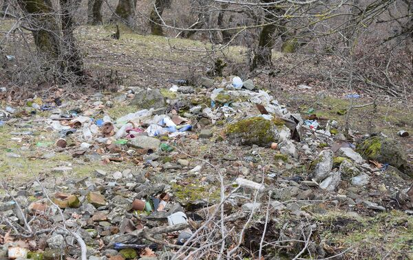 Бытовые отходы на территории Огузского района - Sputnik Азербайджан