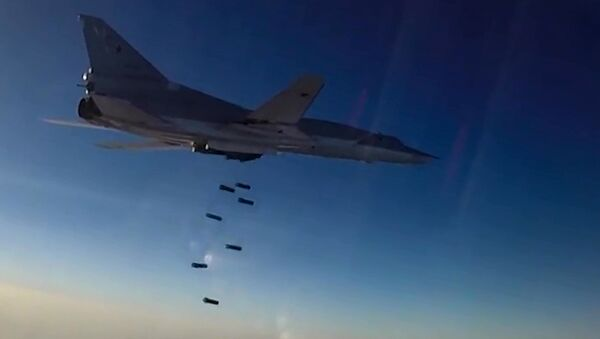 Нанесение авиаудара самолетами ТУ-22М3 по объектам террористов в Сирии, фото из архива - Sputnik Азербайджан