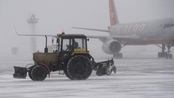 Снегопад в Москве - Sputnik Азербайджан