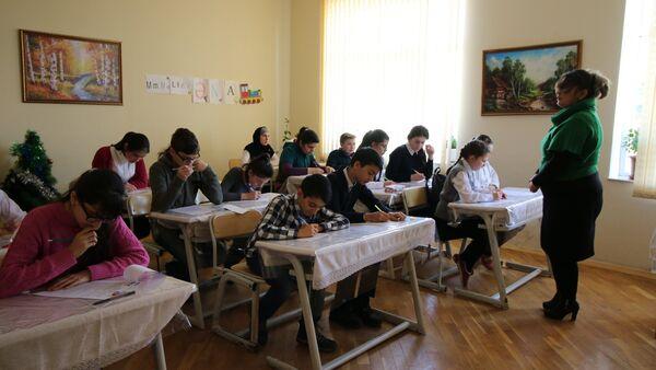 X Олимпиада по русскому языку и литературе прошла в школе № 168 - Sputnik Азербайджан