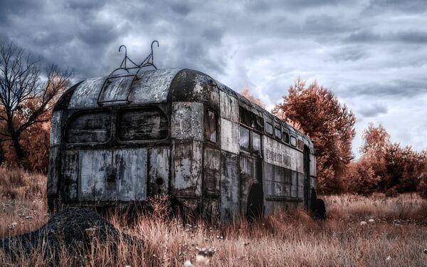 Троллейбус на одной из свалок металла - Sputnik Азербайджан
