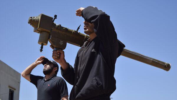 Боевики в Сирии с переносным зенитным ракетным комплексом, фото из архива - Sputnik Азербайджан