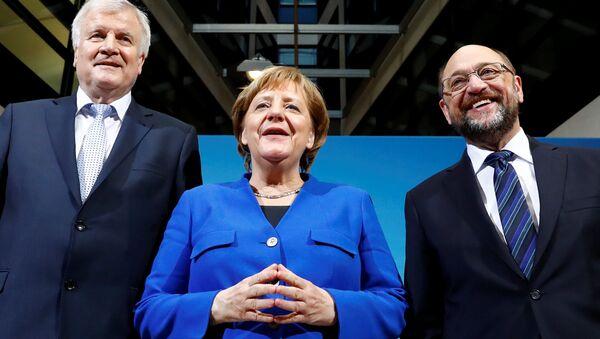 Almanya Başbakanı Angela Merkel, SPD lideri Martin Schulz ve CSU lideri Horst Seehofe - Sputnik Azərbaycan