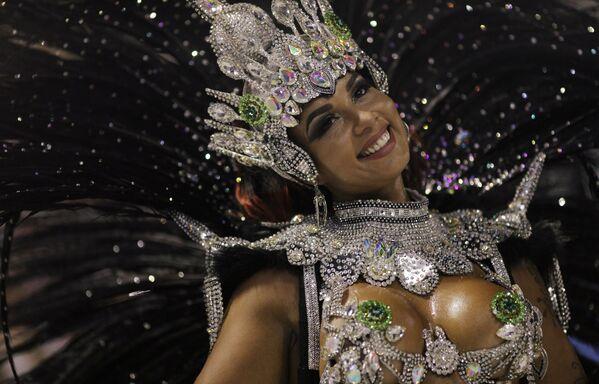 Ежегодный карнавал Рио в Бразилии - Sputnik Азербайджан