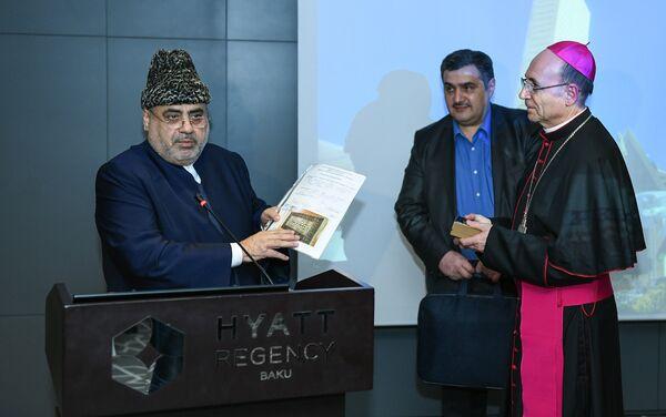 Прием первого епископа Азербайджанской Католической церкви по случаю рукоположения - Sputnik Азербайджан