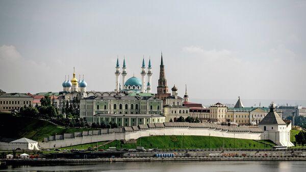 Казанский кремль – древнейшая часть города Казани, объект Всемирного наследия ЮНЕСКО. Кремль неоднократно перестраивался. Современный архитектурный ансамбль сложился к концу XIX века - Sputnik Азербайджан