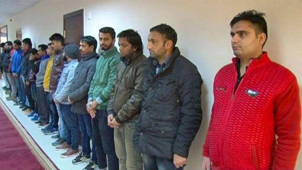 Задержанные нелегальные мигранты - Sputnik Азербайджан