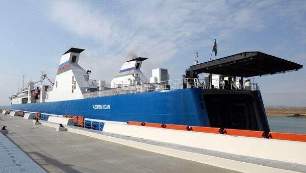 Паром в Бакинском международном морском торговом порту - Sputnik Азербайджан