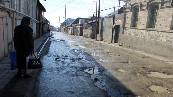 Канализационные воды на улицах Шеки - Sputnik Азербайджан