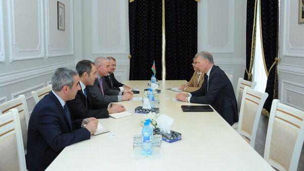 Встреча с главой представительства Евросоюза в Азербайджане Кестутисом Янкаускасом в ЦИК АР - Sputnik Азербайджан