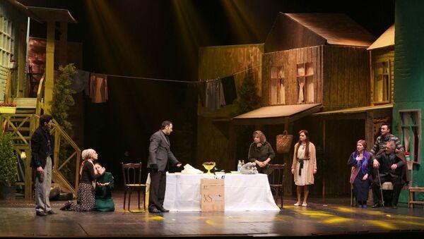 Премьера спектакля Когда цветет миндаль, посвященного 26-й годовщине Ходжалинской трагедии - Sputnik Азербайджан